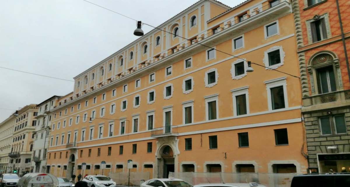 Rinascente roma 200 assunzioni in via del tritone yeslavoro for Rinascente via del tritone ristorante