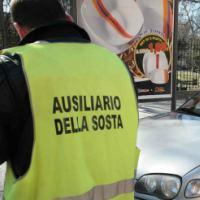 Risultati immagini per AUSILIARI: LAVORO PER OPERATORI DI SOSTA. STIPENDIO DI 1.250€ NETTI