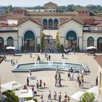 550 posti di lavoro e 50 nuove aperture Serravalle Outlet Village